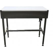 Table de decoupe sur vérins hydrauliques, inox AISI 304, dessus poly