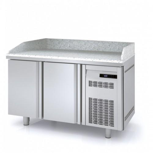 Meuble à pizza, 2 portes pleines, 3 bacs 600 x 400, 362 L - Gaz / Puissance frigorifique (W) / Consommation (W) - R134a* / 178 / 211 - réf MR80-150-55
