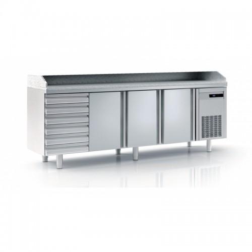 Meuble à pizza avec bloc 7 tiroirs neutres, 3 portes pleines, 399 L - Gaz / Puissance frigorifique (W) / Consommation (W) - R134a* / 245 / 249 - réf MFP70-225-55