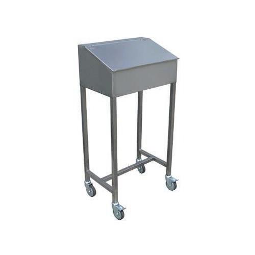pupitre sur placard de rangement avec fermeture clefs et v rins stl sarl materiels. Black Bedroom Furniture Sets. Home Design Ideas